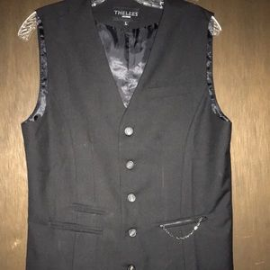 Other - Thelees 5-button vest